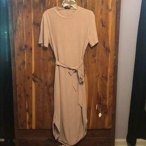 EUC pink Topshop front tie dress. Size 6